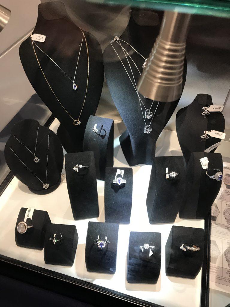 Dzięki Successful Way zgromadzisz prawdziwe aktywa, między innymi diamenty i diamentową biżuterię
