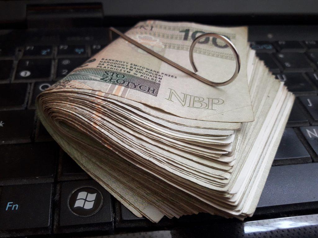 Pieniądze zarobione przez Internet