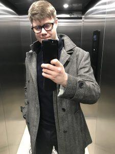 Łukasz Cichocki w windzie