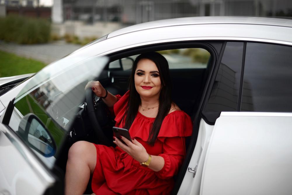 Asia Bednarz dzięki Ekspertowi Życia wypracowała między innymi swojego wymarzonego białego Mercedesa CLA prosto z salonu