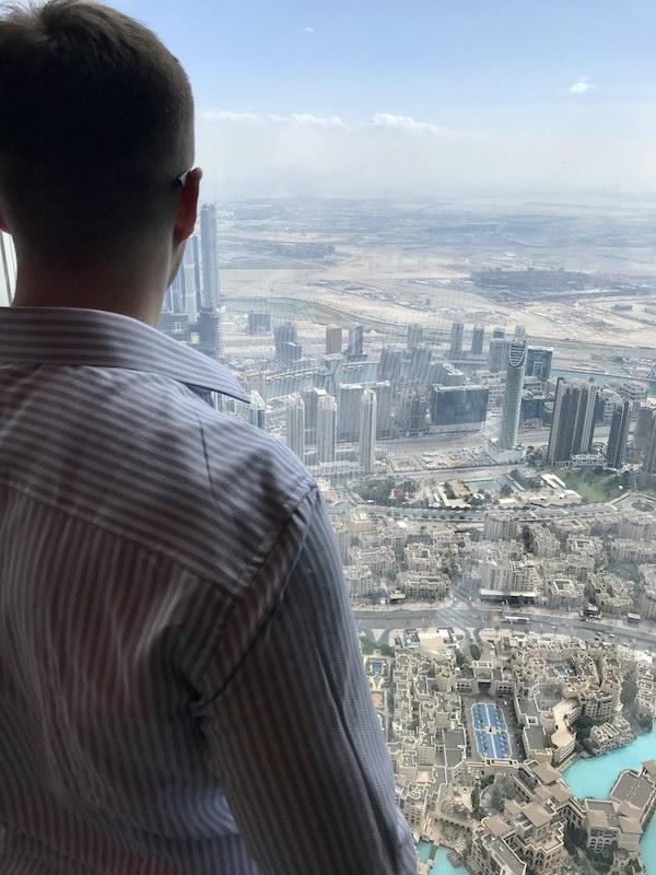 Łukasz Cichocki na 125 piętrze Burj Khalifa w Dubaju