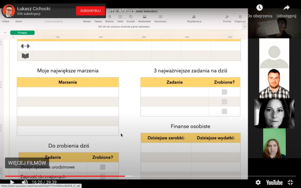 Łukasz Cichocki prowadzący szkolenie ze śledzenia codziennej efektywności dla Społeczności Ekspert Afiliacji w ramach bloku biznes i rozwój